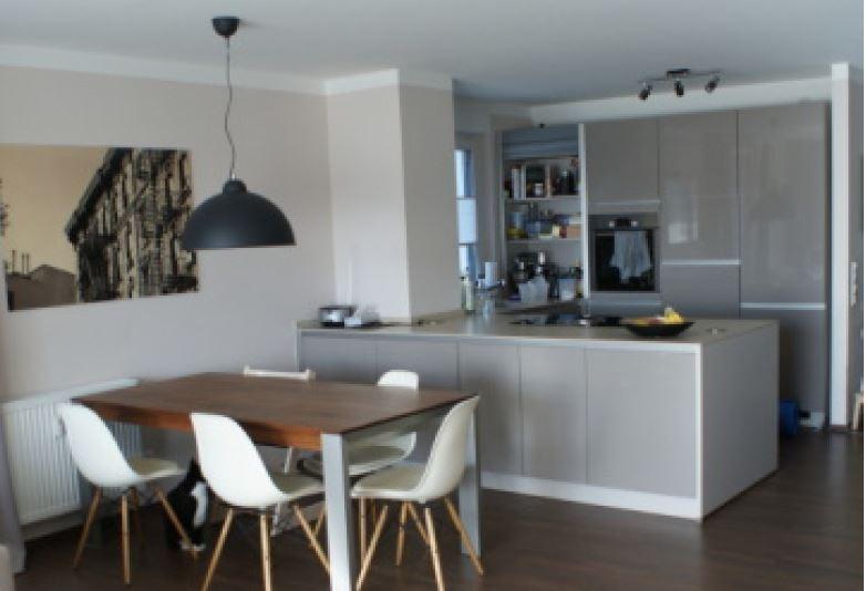 ANDERS CONSULTING Relocation Service Frankfurt präsentiert: Eine schöne, helle Maisonette-Wohnung mit 5 1/2 Zimmern in Langen