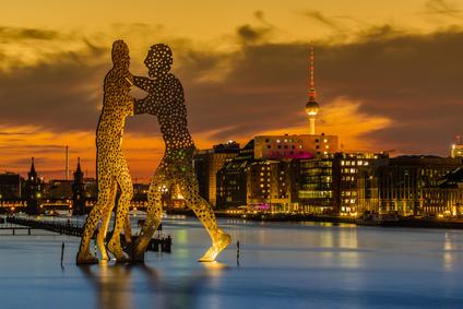 ANDERS CONSULTING Relocation Service Berlin präsentiert ein neues Wohnungsangebot für Expats und Newcomer in Berlin an der Stralaier Alle beim Molecule Man