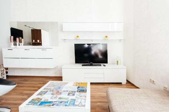 m blierte 2 zimmer wohnung in frankfurt sachsenhausen zum 1 9 frei. Black Bedroom Furniture Sets. Home Design Ideas