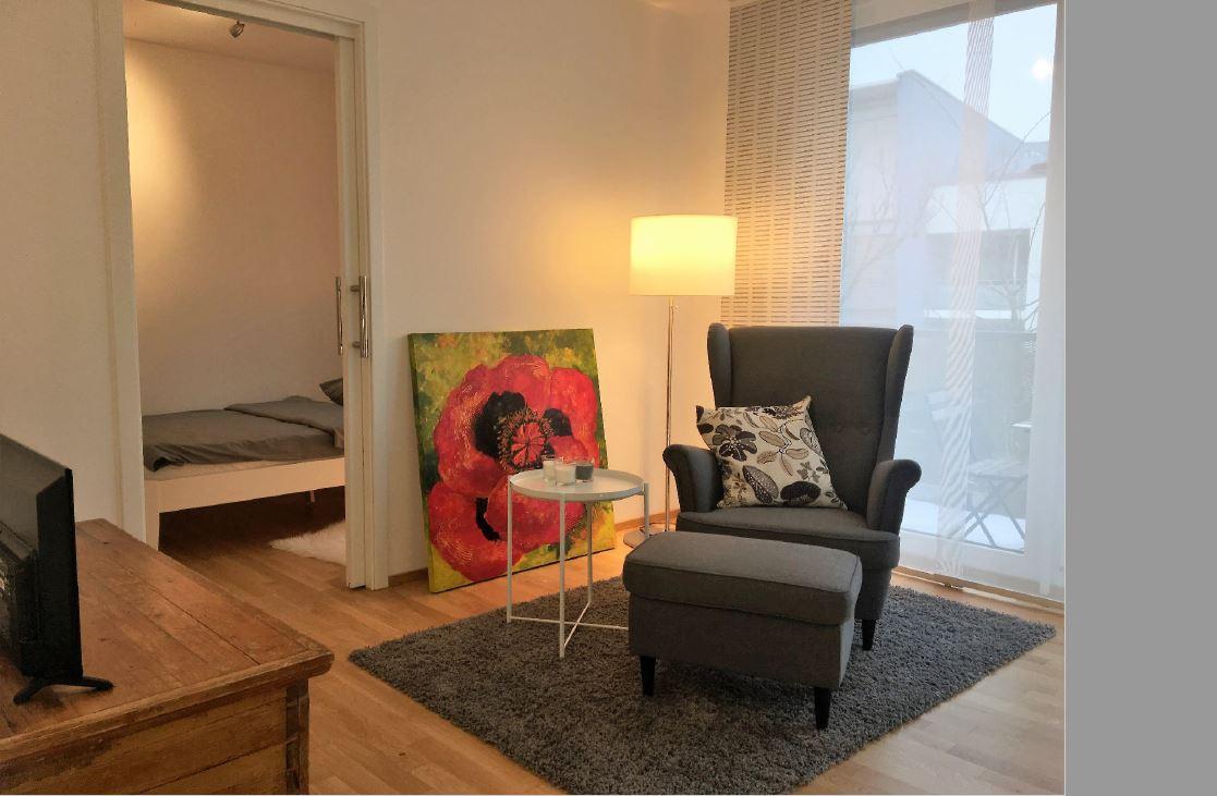 1 zimmer wohnung auf zeit f r expats zu mieten in 81829. Black Bedroom Furniture Sets. Home Design Ideas