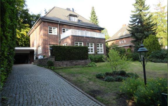 ANDERS CONSULTING Relocation Service Hamburg präsentiert eine exklusive 9-Zimmer-Rotklinkervilla für gehobene Ansprüche. Wer etwas anders sucht, für den haben wir die professionelle Wohnungssuche mit bis zu 8 begleiteten Besichtigungen