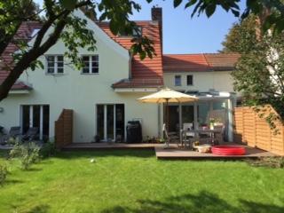Finden Sie mit ANDERS CONSULTING Relocation Service Ihr Traumhaus in Berlin und Umgebung. Wir begleiten Sie von A bis Z, prüfen den Mietvertrag und begleiten Sie bei der Übergabe. You´ve got a Friend in Germany!