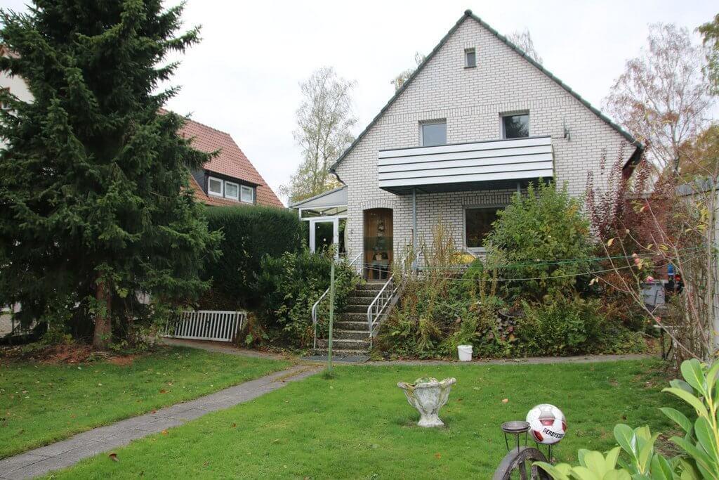 Finden Sie mit den Immobilienprofis von ANDERS CONSULTING Relocation Service in Bielefeld, Detmold und Paderborn eine Wohnung oder ein Haus, wenn Sie aus dem Ausland oder einer anderen deutschen Stadt hierher ziehen