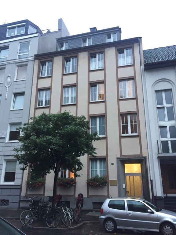 Wer mit keinen oder wenig Sprachkenntnissen in Düsseldorf ein Haus oder eine Wohnung finden will, wird es schwer haben. Mit der professionellen Wohnungssuche von ANDERS CONSULTING Relocation Service wird alles ganz leicht!