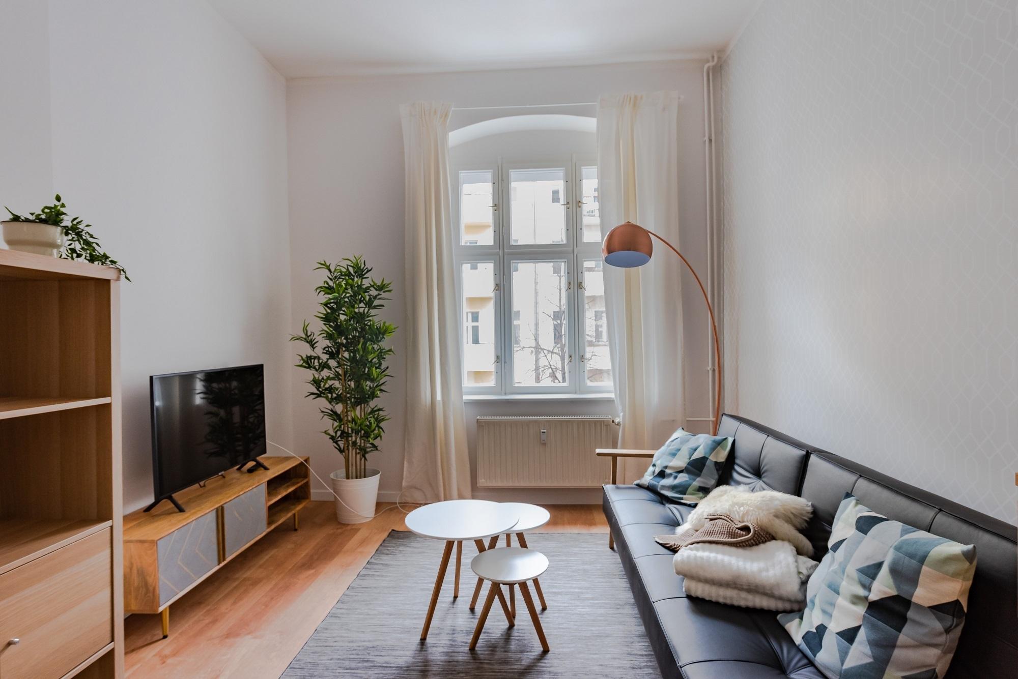 m blierte 2 zimmer wohnung auf zeit f r neuberliner in. Black Bedroom Furniture Sets. Home Design Ideas