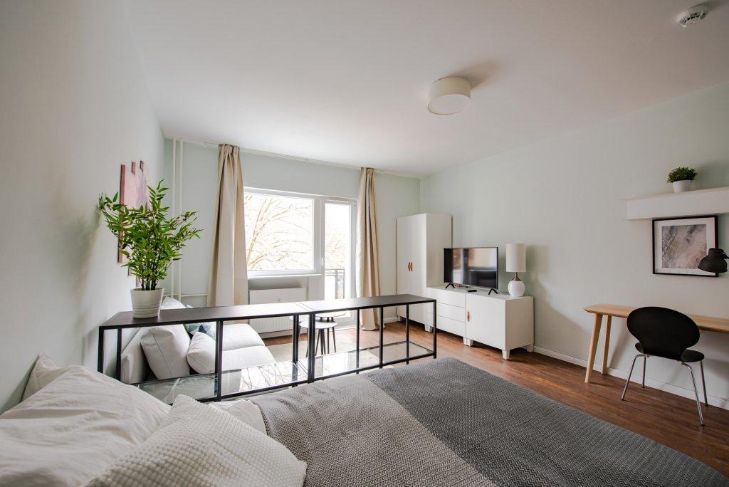 m blierte 2 zimmer wohnung auf zeit zur miete in 10783. Black Bedroom Furniture Sets. Home Design Ideas