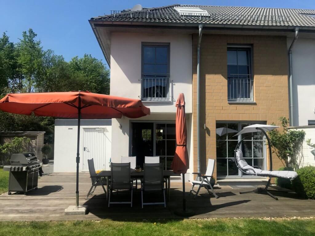 Wo Menschen Menschen helfen, in Düsseldorf eine neue Heimat zu finden. Süren Sie, wie sich echte Leistung anfühlt. ANDERS CONSULTING Relocation Service Düsseldorf