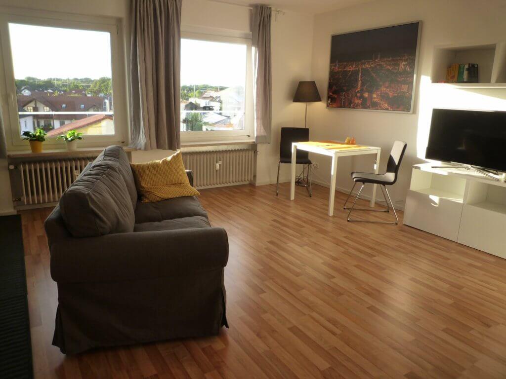 1-Zimmer-Wohnung auf Zeit mit 37 m² für 900 Euro monatlich kalt. Frei ab 01.12.19. ANDERS CONSULTING Relocation Service Olching