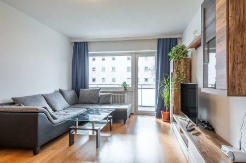 Schicke, vollständig möblierte 2-Zimmer-Wohnung mit Balkon und Einbauküche ANDERS CONSULTING Relocation Service München