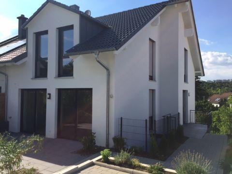 Schönes 5-Zimmer-Haus für Expats zu mieten in 70599 Stuttgart