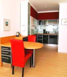 In Zeiten von Corona ändern sich auch die Regeln auf dem Wohnungsmarkt. Wie wir Ihnen trotzdem effektiv helfen, schnell eine Wohnung zu finden. ANDERS CONSULTING Relocation Service Hamburg