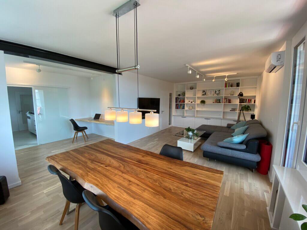 Neu sanierte möblierte Wohnung in bester Lage mit 2 Bädern und Klimaanlage bereitgestellt durch ANDERS CONSULTING Relocation Service Stuttgart. You've got a Friend in Germany!