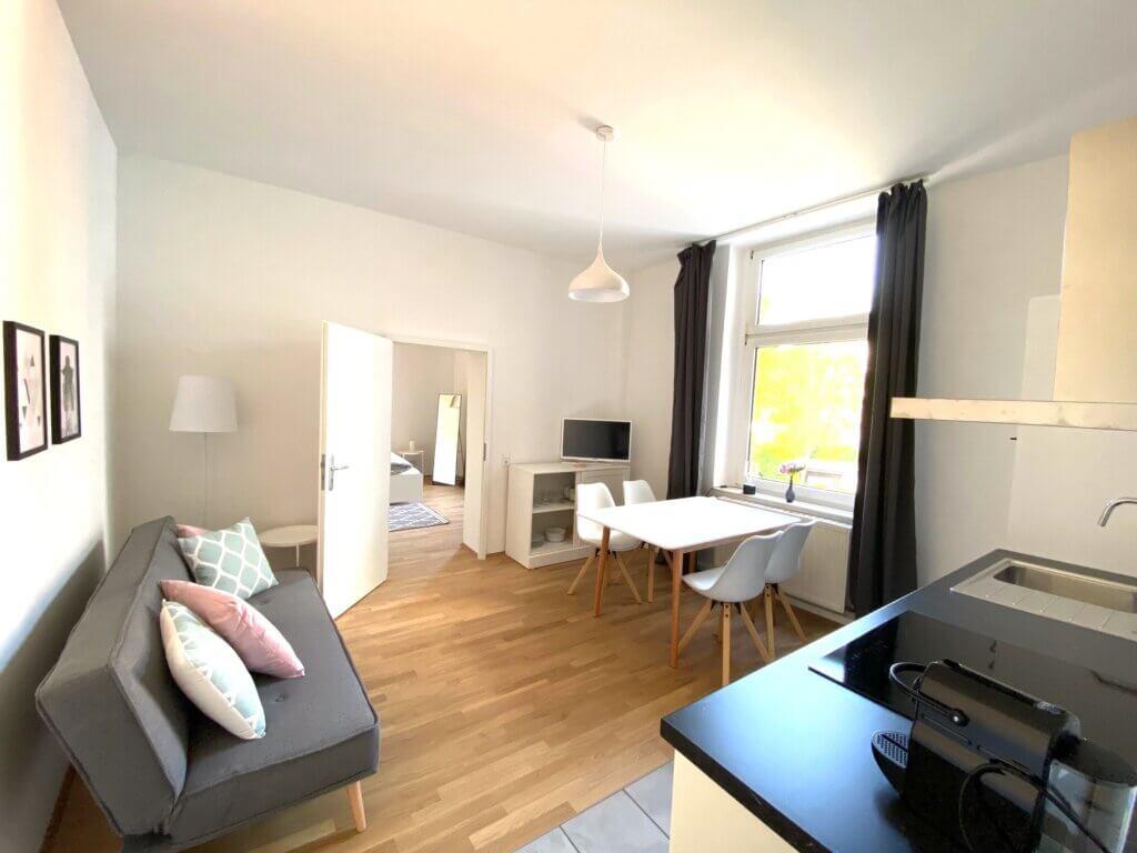 Eine gemütliche möblierte sanierte Wohnung im Szeneviertel Düsseldorf bereitgestellt durch ANDERS RELOCATION SERVICE DÜSSELDORF