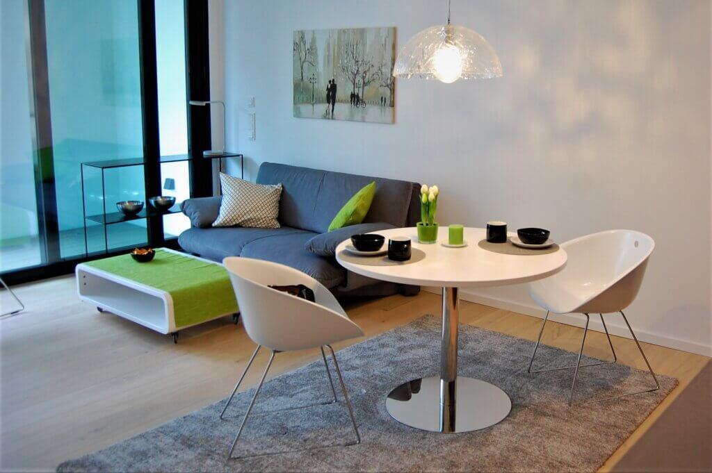 Auch Banker und andere Gutverdiener tun sich schwer, wenn sie nach Frankfurt ziehen und eine Wohnung finden wollen. Wir helfen mit unserer professionellen Wohnungssuche bei diese schwierigen Aufgabe. ANDERS CONSULTING Relocation Service Frankfurt am Main