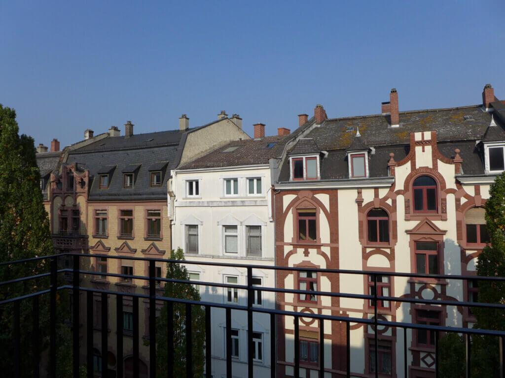 Eine möblierte 2-Zimmer-Wohnung in Toplage Frankfurts bereitgestellt durch ANDERS RELOCATION CONSULTING SERVICE Frankfurt am Main