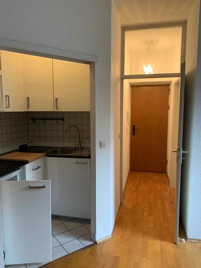 Sie kommen aus dem Ausland oder einer anderen deutschen Stadt nach Düsseldorf, um hier zu leben und zu arbeiten? Und Sie finden keine Wohnung? Dann kann Ihnen geholfen werden: ANDERS CONSULTING Relocation Service Düsseldorf. In 20 Jahren haben wir noch jeden unserer Kunden untergebracht.